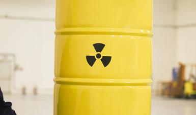 Descontaminación de pequeños equipos, herramientas y áreas contaminadas con material radiactivo