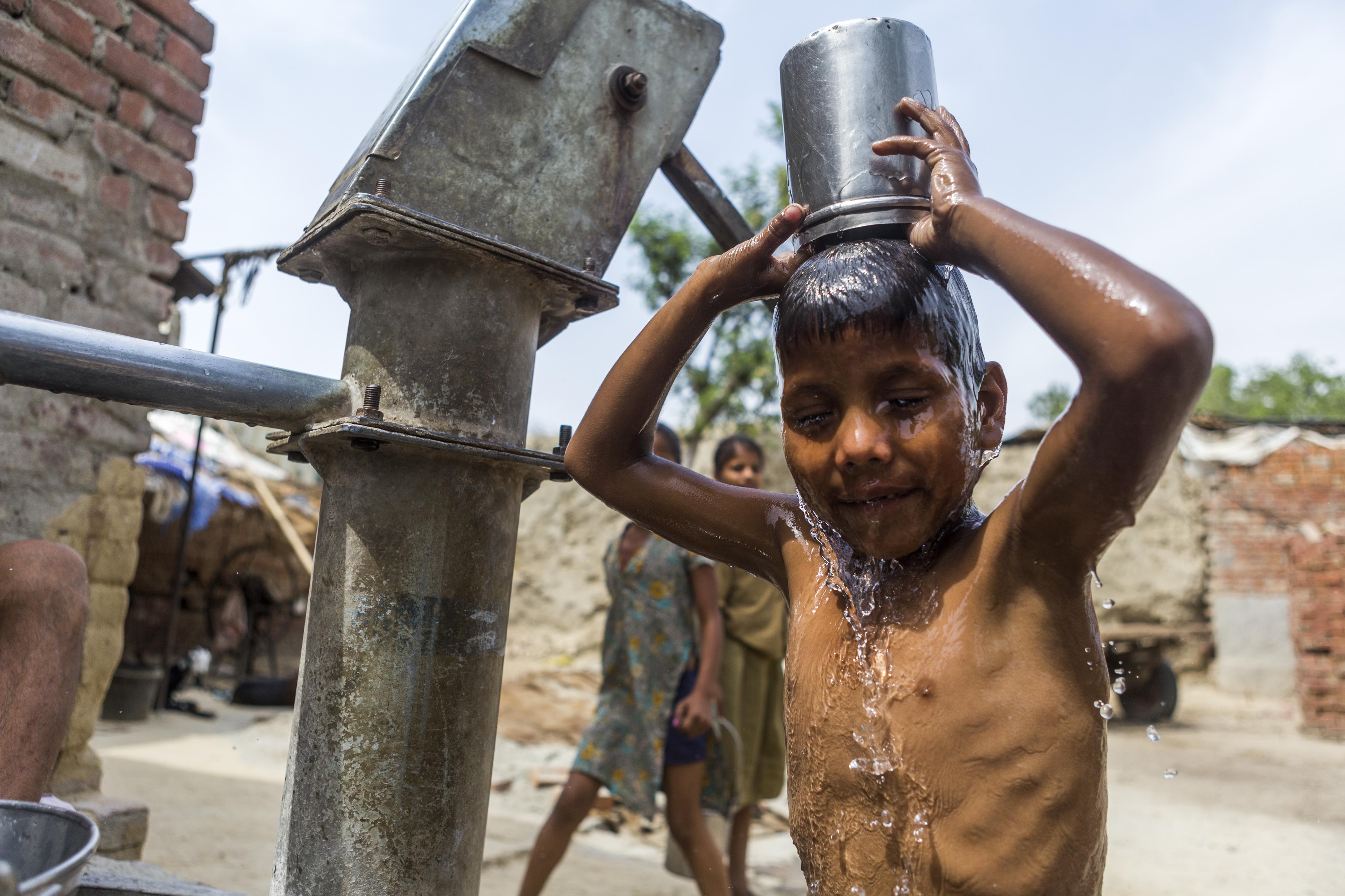 """""""Los líderes mundiales ahora reconocen que enfrentamos una crisis mundial del agua y que tenemos que volver a evaluar cómo valoramos y gestionamos el agua""""."""