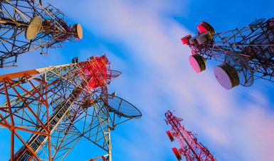 fotografía de torres de telecomunicaciones