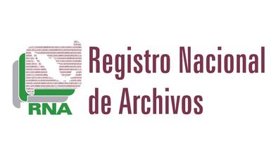 Logotipo del Registro Nacional de Archivos, conformado por tres íconos de documentos sobrepuestos uno encima del otro, en el de hasta arriba se observa la silueta del territorio nacional contorneado con líneas de código binario
