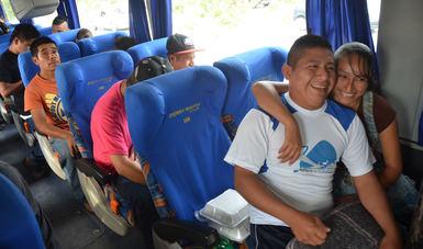 Migrantes en un autobús