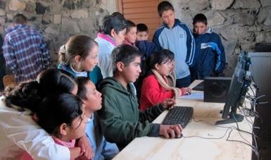 Niños en un Punto de México Conectado