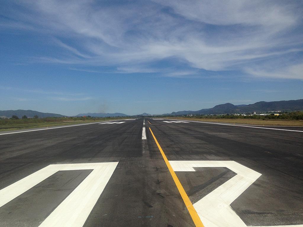 Pista aérea, aeropuerto ASA