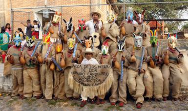 Programa de Apoyo a las Culturas Municipales y Comunitarias (PACMYC).