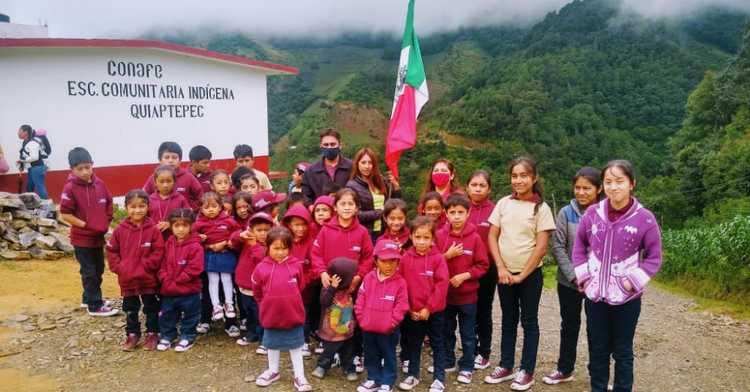 Ganan escuelas del Conafe en Puebla y Nuevo León premio en sorteo de la Lotería Nacional.
