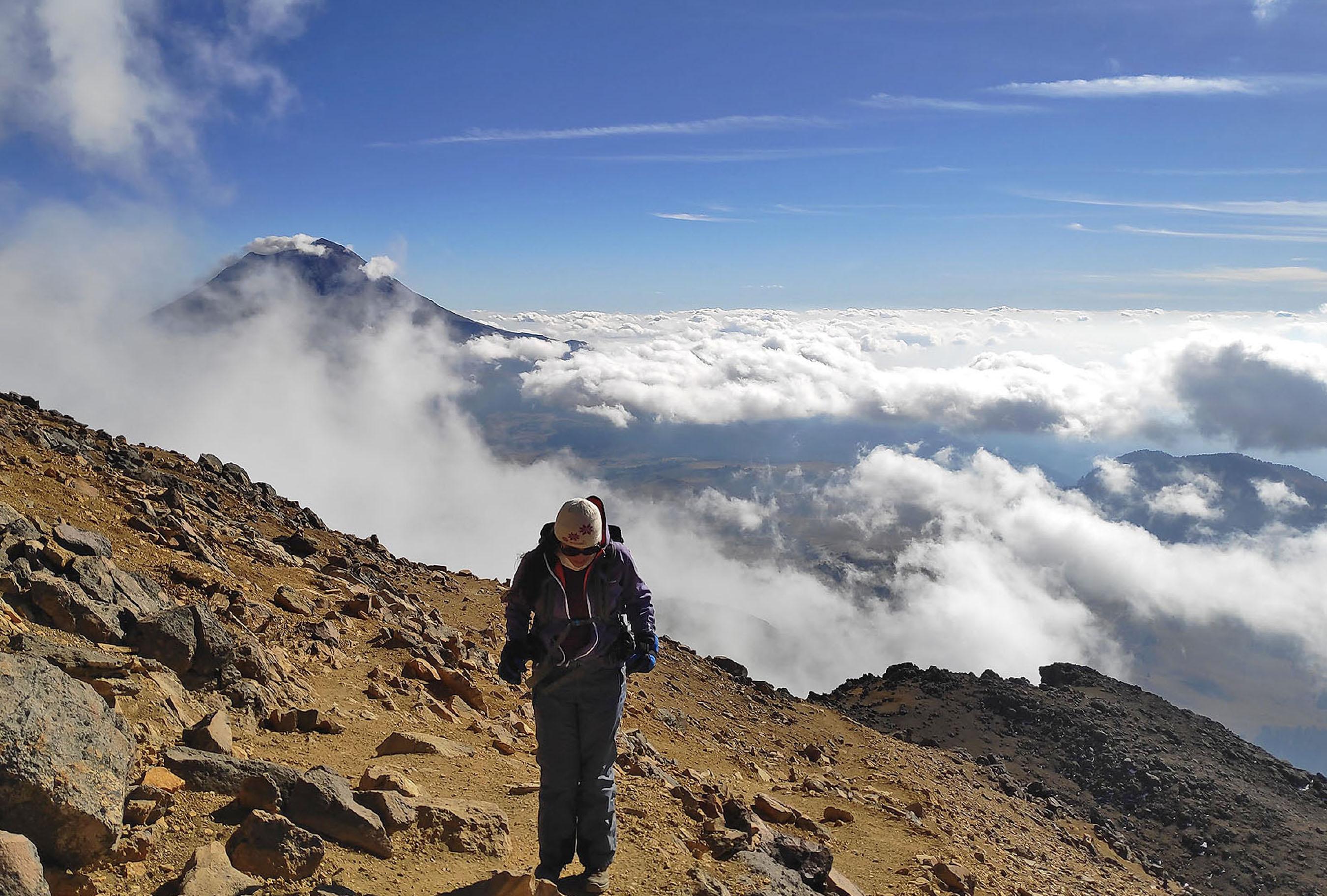 Volcán Popocatépetl visto desde el Iztaccíhuatl.