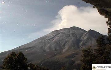En las últimas 24 horas, mediante el sistema de monitoreo del volcán Popocatépetl se identificaron 267 exhalaciones acompañados por emisiones de gases volcánicos y en ocasiones ligeras cantidades de ceniza.