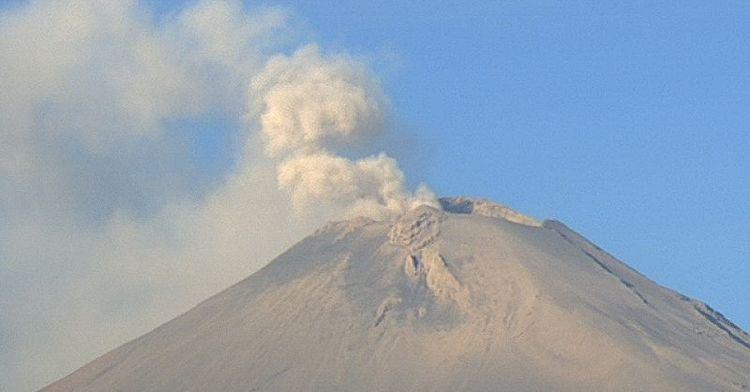 En las últimas 24 horas, mediante los sistemas de monitoreo del volcán Popocatépetl se identificaron 304 exhalaciones acompañadas de vapor de agua, gases volcánicos y ligeras cantidades de ceniza.