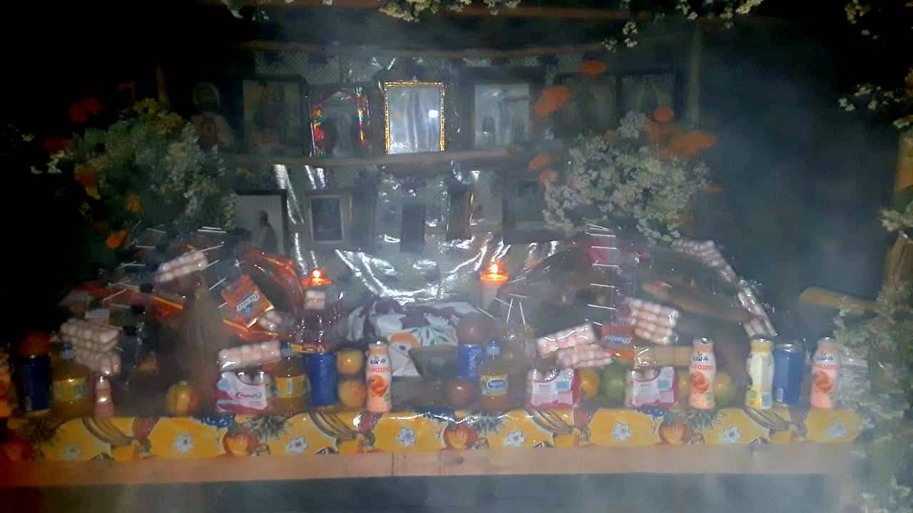 En el Día de Muertos, el copal es un elemento que no debe faltar, se cree que el aroma guiará al espíritu hacia su altar