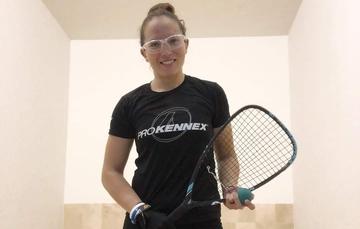 Samantha Salas Solís, durante una competencia de raquetbol.