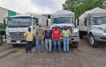 Apoya población de Tabasco y Chiapas en traslado de mercancías a comunidades inundadas