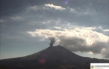 En las últimas 24 horas, mediante los sistemas de monitoreo del volcán Popocatépetl se identificaron 203 exhalaciones y 93 minutos de tremor.