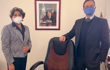 Secretario de Educación Pública, Esteban Moctezuma Barragán y Delfina Gómez Álvarez