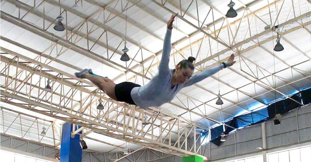 Dafne Navarro, gimnasta mexicana de trampolín durante un entrenamiento en busca de su boleto olímpico. Especial