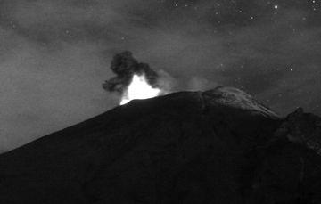 En las últimas 24 horas, mediante los sistemas de monitoreo del volcán Popocatépetl se identificaron 47 exhalaciones y 684 minutos de tremor