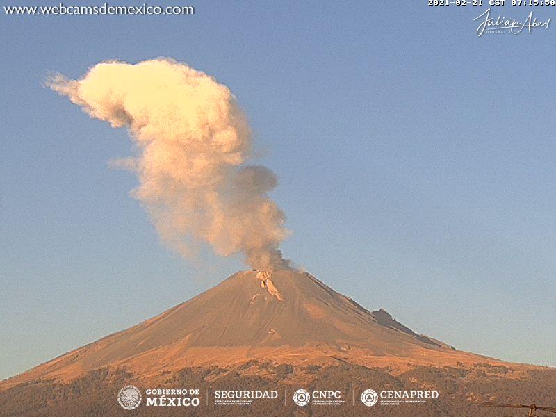 En las últimas 24 horas, mediante los sistemas de monitoreo del volcán Popocatépetl se identificaron 44 exhalaciones acompañadas por emisiones de vapor de agua, gases volcánicos y ligeras cantidades de ceniza