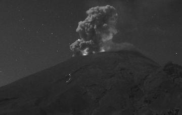 En las últimas 24 horas, mediante los sistemas de monitoreo del volcán Popocatépetl se identificaron 49 exhalaciones y 238 minutos de tremor.