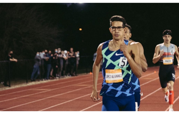 Tonatiu López en clasificatorio de Texas en atletismo. Cortesía