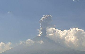 El sistema de monitoreo registró 105 exhalaciones, 271 minutos de tremor y un sismo volcanotectónico de  magnitud 1.9.