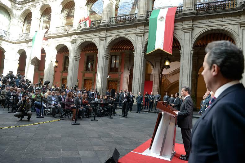 Frente a los grandes retos nacionales, los mexicanos cuentan con un Gobierno de la República decidido y determinado a construir un mejor país, dijo el Primer Mandatario.