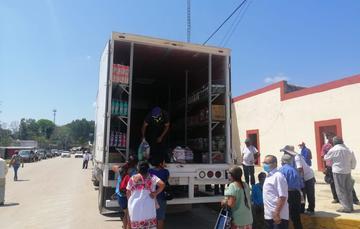 Más de 2 mil adultos mayores atendidos con tiendas móviles en Campeche