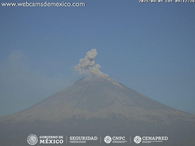 En las últimas 24 horas, mediante los sistemas de monitoreo del volcán Popocatépetl se identificaron 15 exhalaciones y 582 minutos de tremor