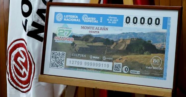 Fotografía de la ampliación del billete del Sorteo Especial No 242 alusivo a la zona arqueológica de Monte Albán en oaxaca