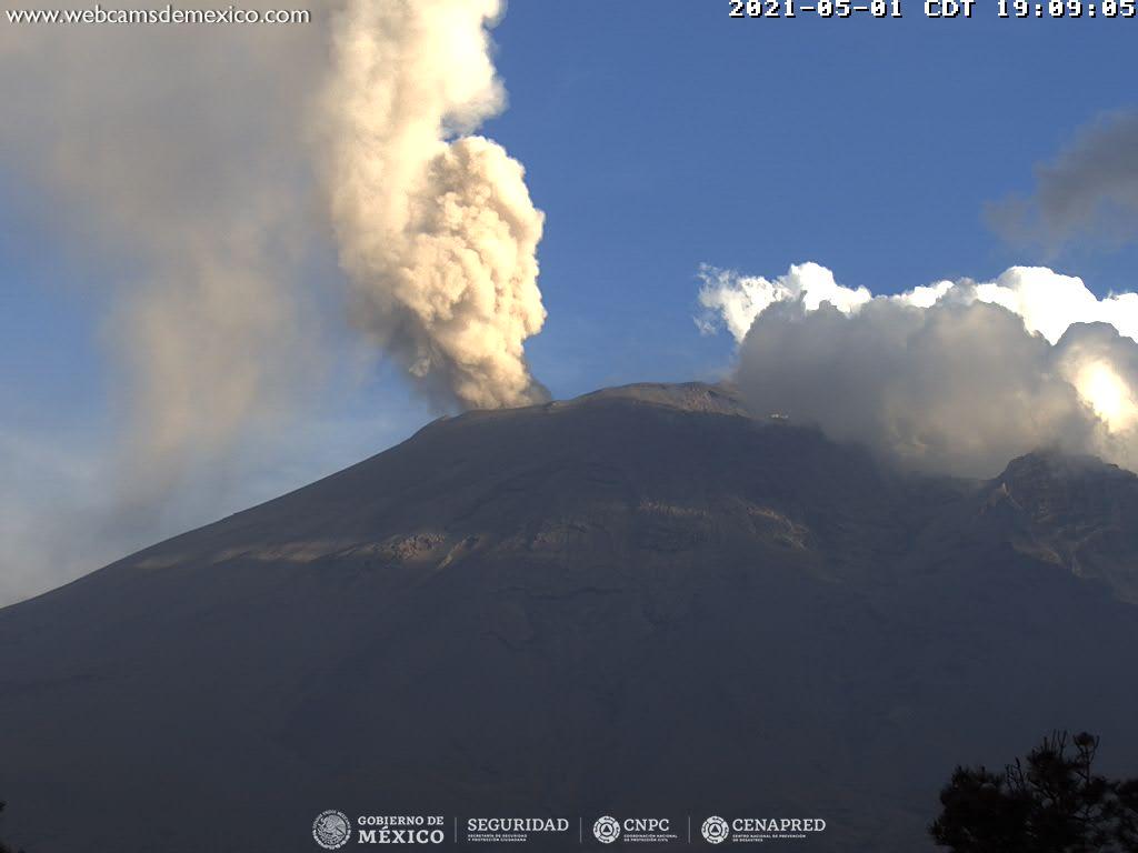 El sistema de monitoreo registró 58 exhalaciones, 299 minutos de tremor y un sismo volcanotectónico hoy a las 06:34 h de magnitud 2.4.