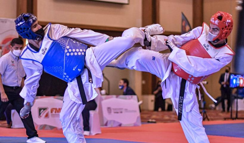 Combate de taekwondo en el Selectivo Nacional con sede en Aguascalientes. Cortesía