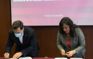 Secretaria Sandoval Ballesteros firma convenio de colaboración con el Politécnico para la profesionalización del servicio público