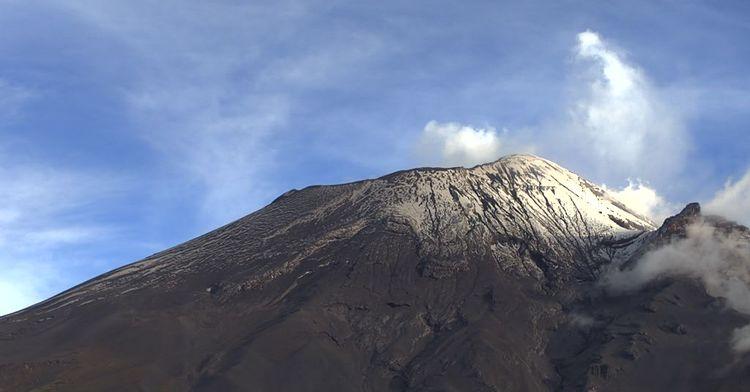 El sistema de monitoreo registró 22 exhalaciones, 25 minutos de tremor y un sismo volcanotectónico ayer a las 23:02 h de magnitud 1.6