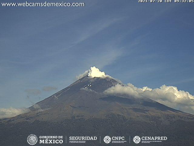En las últimas 24 horas, mediante los sistemas de monitoreo del volcán Popocatépetl se identificaron 77 exhalaciones y 10 minutos de tremor.
