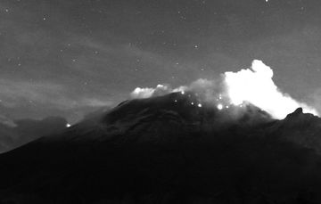 En las últimas 24 horas, mediante los sistemas de monitoreo del volcán Popocatépetl se identificaron 82 exhalaciones.