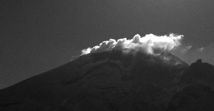 En las últimas 24 horas, mediante los sistemas de monitoreo del volcán Popocatépetl se identificaron 92 exhalaciones