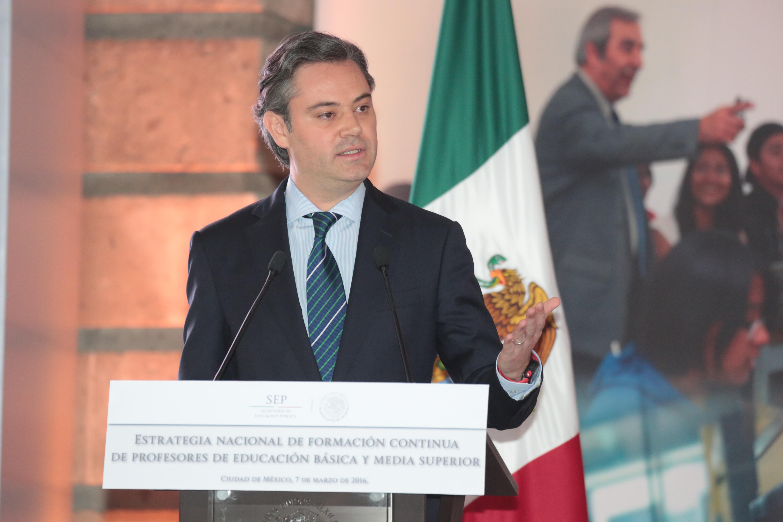 Fotografía del secretario de Educación Pública, Aurelio Nuño Mayer durante la Presentación de la Estrategia Nacional de Formación Continua de Profesores de Educación Básica y Media Superior.