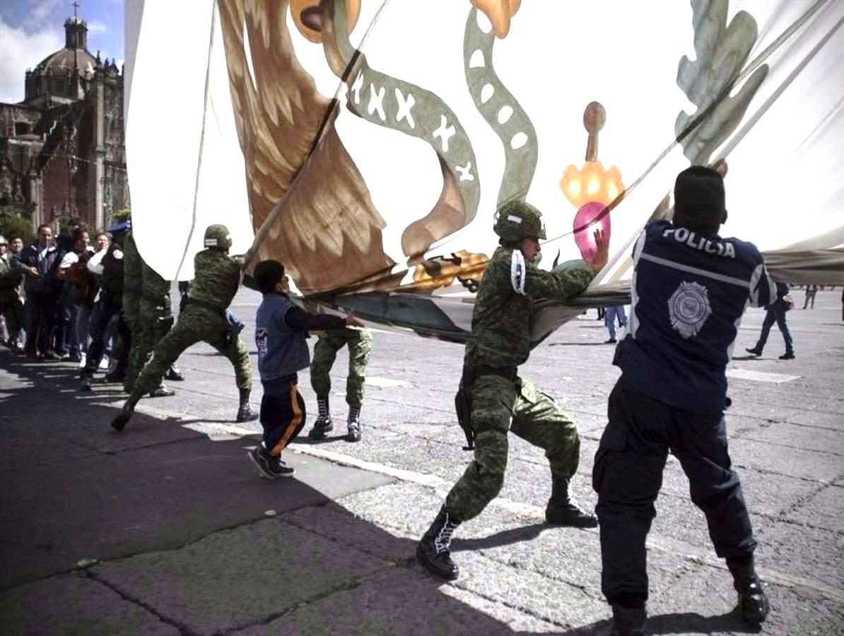 Reconocimiento a la solidaridad del pueblo de México en el arriamiento de nuestro Lábaro Patrio.