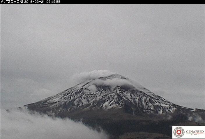 Fotografía del Popocatépetl desde la estación Altzomoni.