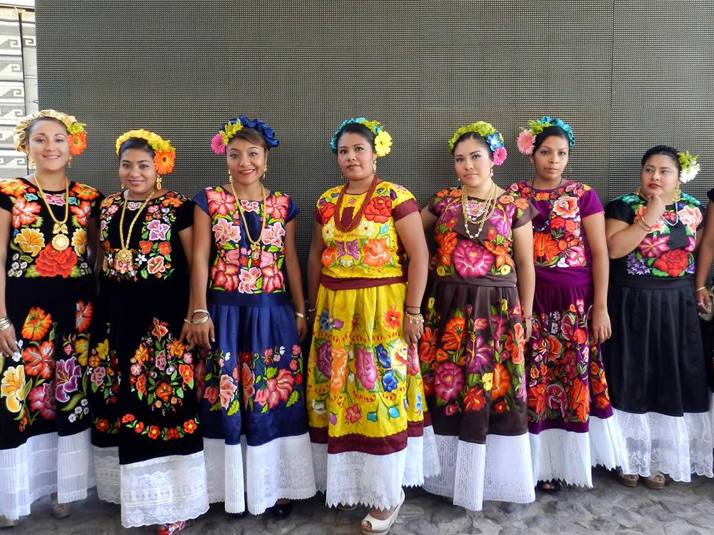El Traje Tradicional Indígena Y El Arte Textil Comisión Nacional