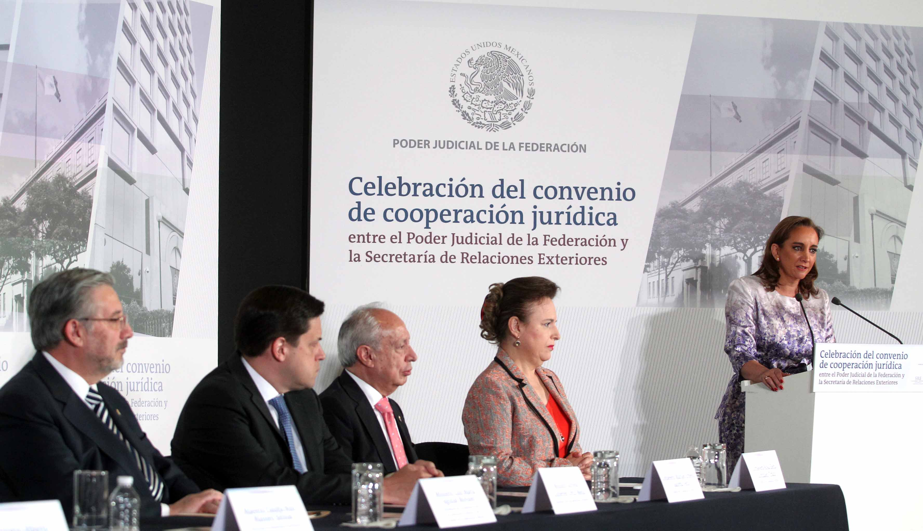 Celebración del Convenio de Cooperación Jurídica entre el PJF y la SRE.