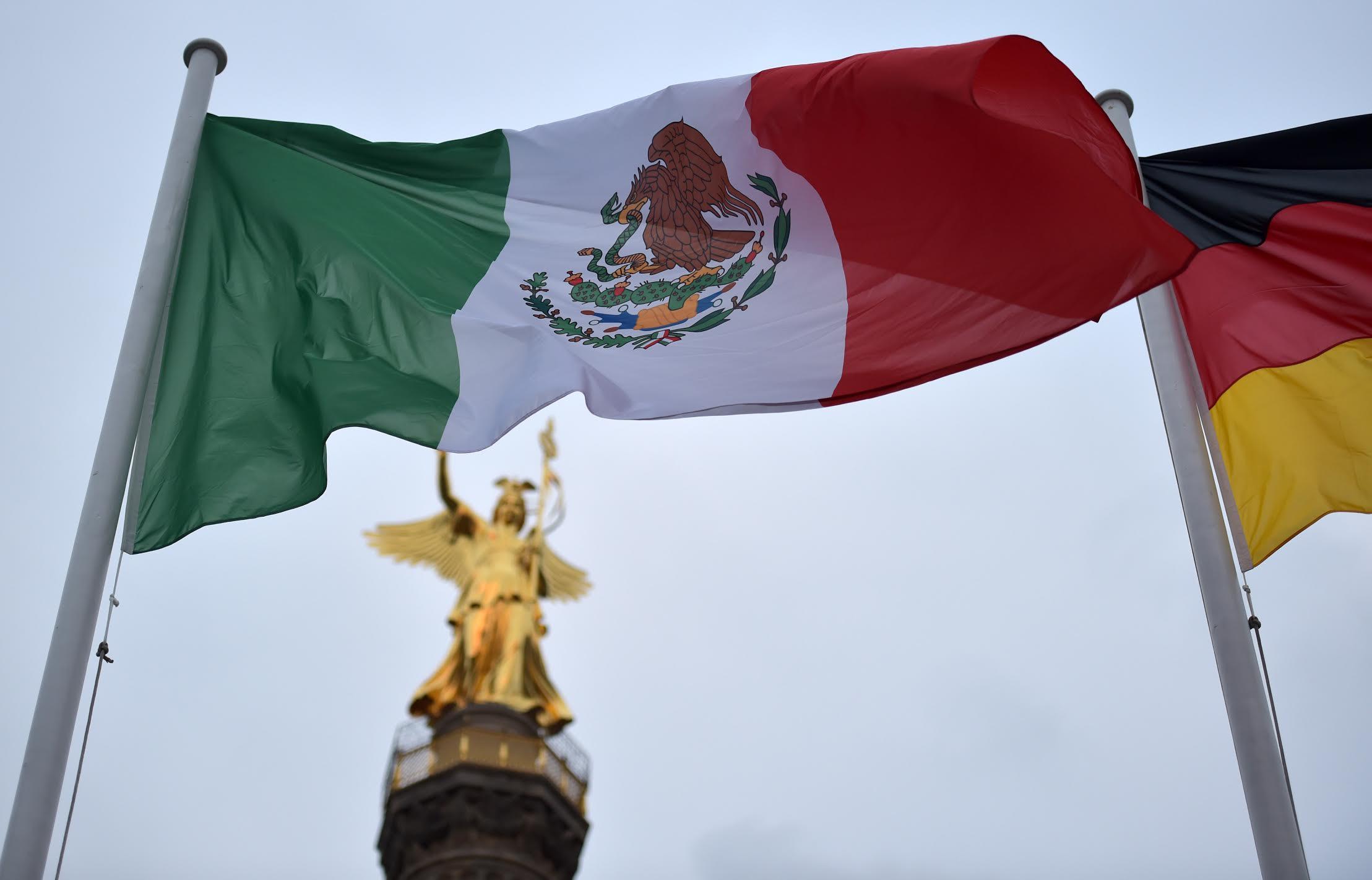 Banderas de México y Alemania.