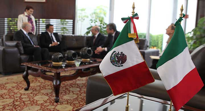 Italian Prime Minister Matteo Renzi is in Mexico on an official visit