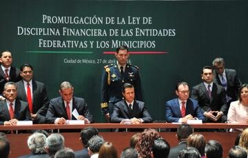 Promulgación de la Ley de Disciplina Financiera de las Entidades Federativas y los Municipios.