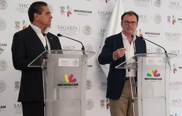 El Secretario de Hacienda, Luis Videgaray, y el Gobernador de Michoacán, Silvano Aureoles, en conferencia de prensa