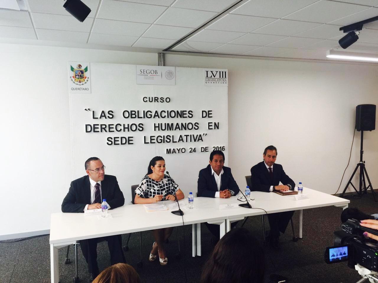 La LVIII Legislatura del estado de Querétaro recibe curso sobre armonización legislativa y obligaciones en materia de derechos humanos.