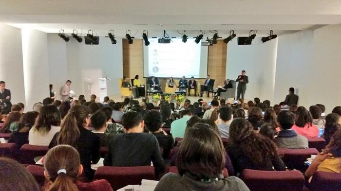 Público y participantes invitados a la Mesa 3 del Foro de Contenidos de Radio y Televisión para Niñas y Niños.