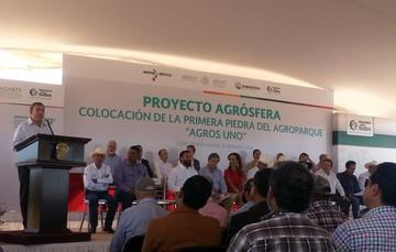 """Primera Piedra """"Agros Uno"""""""
