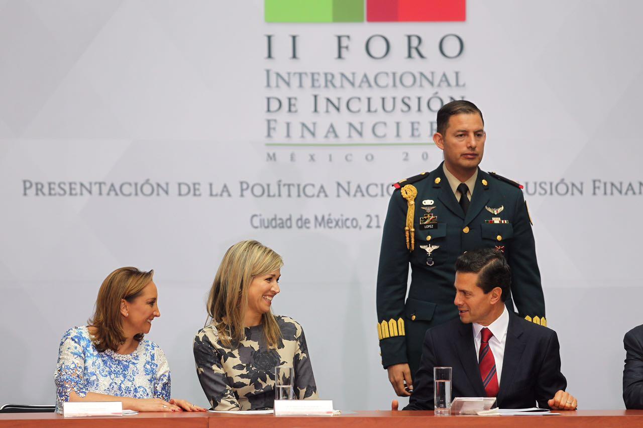 S.M. la Reina Máxima de Países Bajos, la Canciller Ruiz Massieu y el Secretario de Hacienda, Luis Videgaray en el Foro Internacional de Inclusión Financiera.
