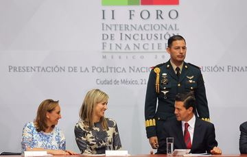 Queen Máxima of the Netherlands, President Peña Nieto and Foreign Secretary Ruiz Massieu at the International Forum on Financial Inclusion