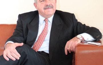 Entrevista a Rogelio Granguillhome, titular de la AMEXCID