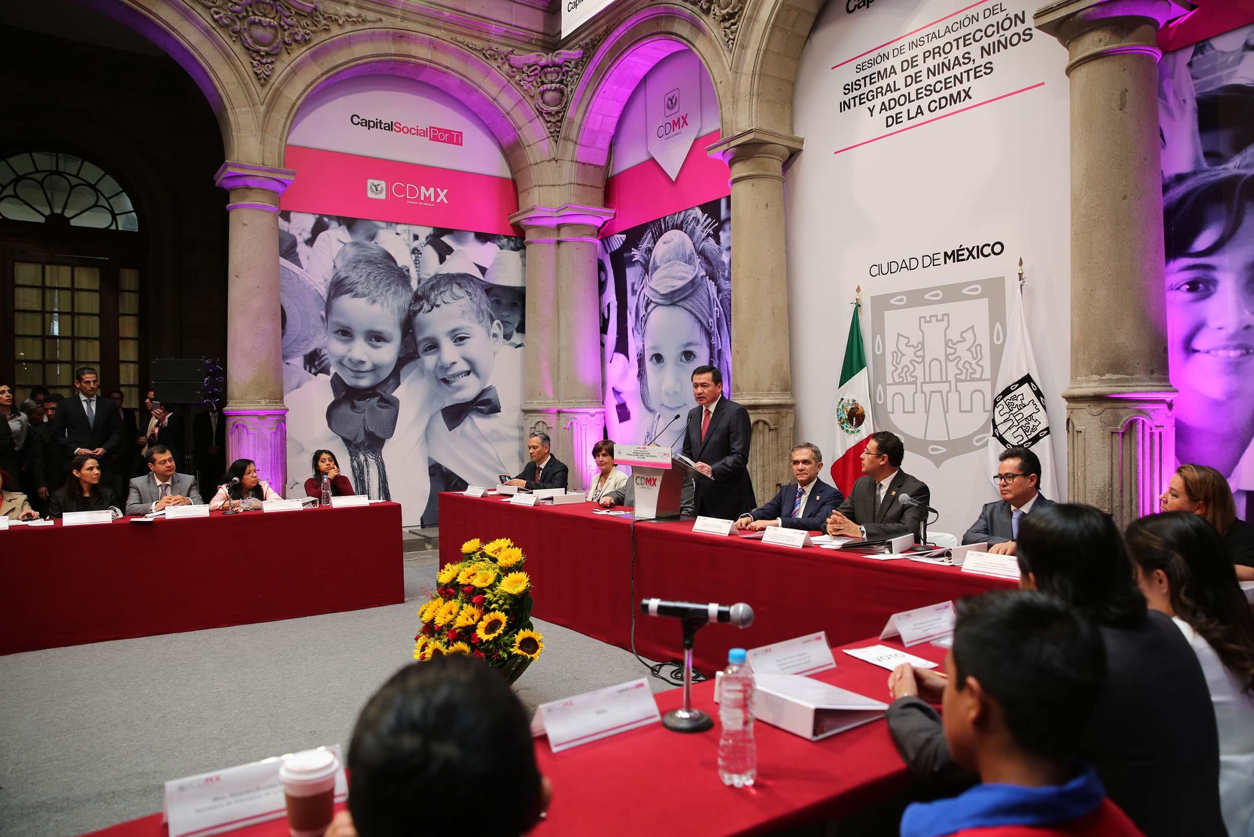 El Secretario de Gobernación, Miguel Ángel Osorio Chong, hoy al clausurar la Sesión de la Instalación del Sistema de Protección Integral de las Niñas, Niños y Adolescentes de la Ciudad de México.